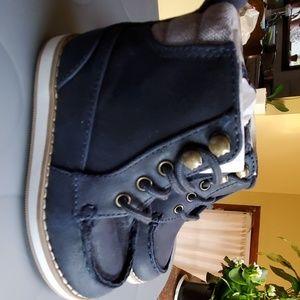 Lace-up Hi-Top Boots